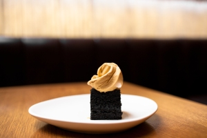 salted-liquorice-cake-and-molasses-ice-cream-photo_-mark-best